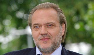 """Seit 2021 hat Jan-Gregor Kremp die Hauptrolle im ZDF-Krimi """"Der Alte"""" inne. (Foto)"""