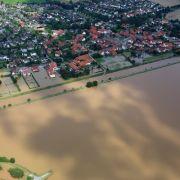 Aufräumarbeiten angelaufen - Millionenschäden in Niedersachsen (Foto)