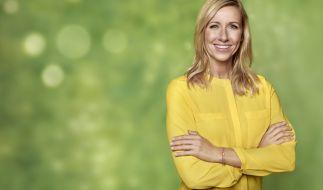 """Andrea Kiewel präsentiert am 30. Juli 2017 den """"Holland-Fernsehgarten"""". (Foto)"""