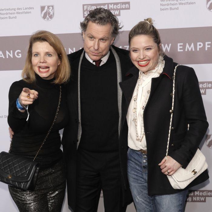 Deshalb knutscht der Schauspieler mit Caroline UND Annette Frier (Foto)