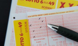 Informationen zu den aktuellen Lottozahlen im Lotto am Mittwoch, Ziehung der Lotto-Gewinnzahlen bei 6 aus 49, Spiel 77 und Super 6. (Foto)