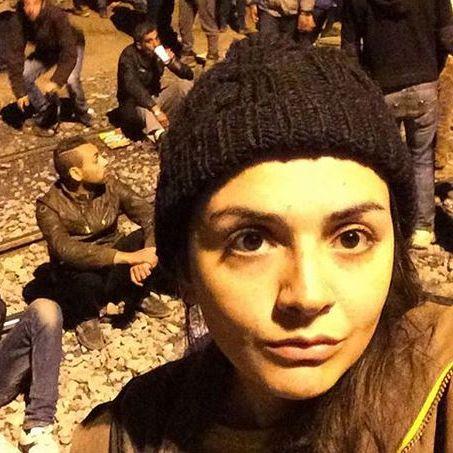 Syrerin filmt ihre gefährliche Flucht vor dem IS (Foto)