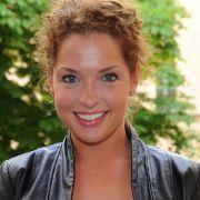 DAS hat die GZSZ-Darstellerin mit ihrer Rolle gemeinsam (Foto)