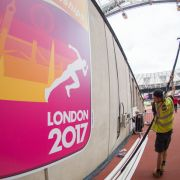 Sprintkönig Bolt gestürzt! Ehemaliger Dopingsünder Gatlin gewinnt (Foto)