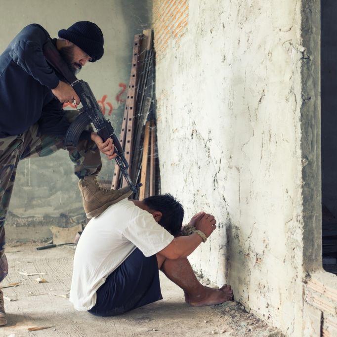 Kinderschänder in Kugelhagel hingerichtet (Foto)