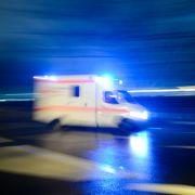 Autos fahren in Menschengruppen - Tote und viele Verletzte (Foto)