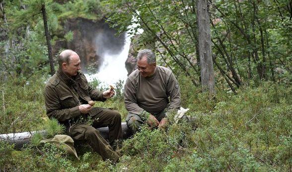 Hoffentlich konnte sich Putin von der harten Weltpolitik ausruhen, immerhin ist so ein Aktivurlaub ganz schön stressig.