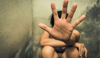 In Großbritannien wurden 300 Mädchen zu Sex-Partys gezwungen. (Symbolbild) (Foto)