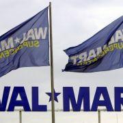 Supermarkt wirbt mit Waffen-Vitrine für Amok an Schulen (Foto)