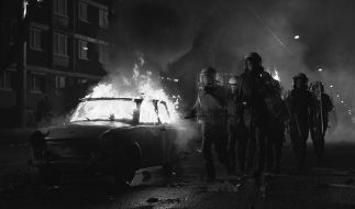 Am 24.08.1992 eskalierte die Gewalt gegen eine Asylunterkunft in Rostock-Lichtenhagen. (Foto)