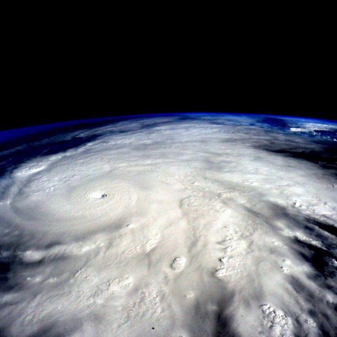 Erstes Todesopfer! Hurrikan Gert zieht nach Europa (Foto)