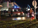 Bei den Unwettern über Festivals in Südbayern sind am Freitagabend mehrere Menschen verletzt worden. Sie wurden mit einem Krankenwagen in ein naheliegendes Krankenhaus gebracht. (Foto)