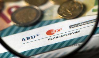 ARD und ZDF wollen den Rundfunkbeitrag wieder erhöhen. (Foto)