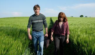 Nina (Hannah Herzsprung) und Martin (Albrecht Schuch) sind auf der Flucht. (Foto)