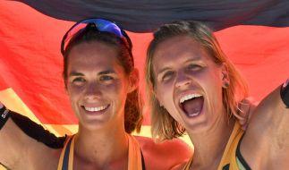 Laura Ludwig (r) und Kira Walkenhorst wollen auch in Hamburg erfolgreich sein. (Foto)