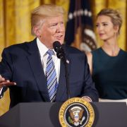 """Wurde er wegen """"First Daughter"""" Ivanka Trump gefeuert? (Foto)"""