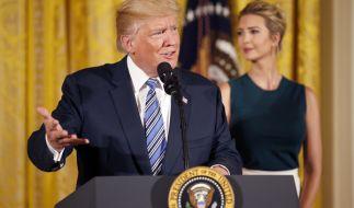 Donald Trump und Ivanka Trump: Wer zieht wie die Fäden im Weißen Haus? (Foto)