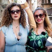 Sex-Podcasterinnen gehen an ihre Ekel-Grenze (Foto)