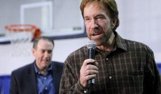 Chuck Norris lässt sich auch nach zwei Herzinfarkten nicht unterkriegen. (Foto)