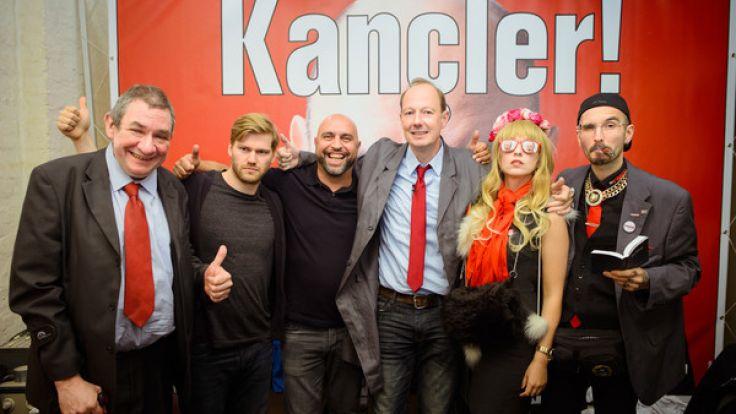 Die Partei hat ihre Spaßtruppe zur Bundestagswahl vorgestellt. (Foto)