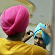 Turban statt Helm? Religiöser verklagt Stadt und fordert Sonderregel (Foto)