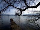 Der Staffelsee bei Uffing lädt besonders im Sommer viele Badegäste ein. (Foto)