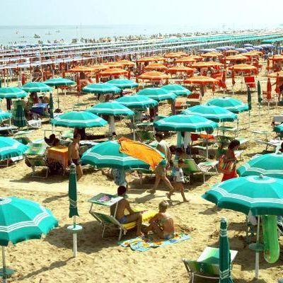 Urlauberin (26) am Strand von 4 Männern vergewaltigt (Foto)