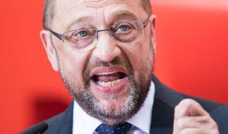Martin Schulz mischt sich in die Fußballpolitik ein. (Foto)
