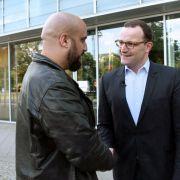 Comedian Abdelkarim fühlt Jens Spahn auf den Zahn (Foto)