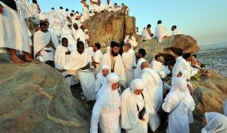 Tausende Menschen begeben sich jedes Jahr auf Pilgerreise nach Mekka. (Foto)