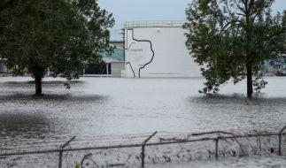 Die Chemiefabrik in Houston steht nach dem Tropensturm fast zwei Meter unter Wasser. (Foto)