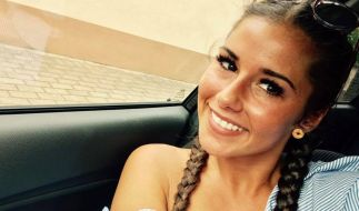 Sarah Lombardi begeistert ihre Fans mit Skydive-Video. (Foto)