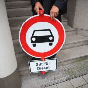 Runde 2 des Diesel-Gipfels: Drohen nun Fahrverbote? (Foto)