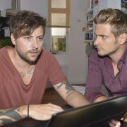 John leidet unter der Situation mit Leon. Auch sein Bruder Philip kann ihm nicht helfen.