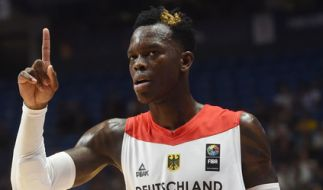 Dennis Schröder will mit der deutschen Mannschaft in das Eurobasket-Achtelfinale einziehen. (Foto)