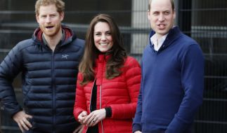Verstehen sich blendend: Prinz Harry, Herzogin Kate und Prinz William. Daran wird wohl auch die veränderte Thronfolge nichts ändern! (Foto)