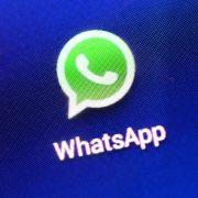 Für SIE wird der Messenger-Dienst künftig kostenpflichtig (Foto)