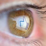 Unterschätzte Gefahr! Smartphones können Augenkrebs verursachen (Foto)
