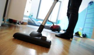 Staubsaugen macht schlank, aber ist Putzen wirklich immer gesund? (Foto)