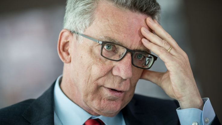 Bundesinnenminister Thomas De Maizière fordert kürzere Leistungen für Asylbewerber.