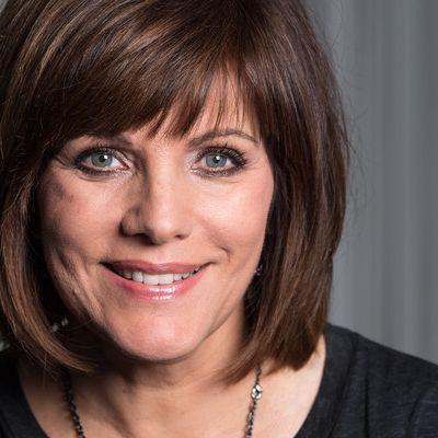 Schock-Frisur! SO sieht die Moderatorin OHNE Perücke aus (Foto)