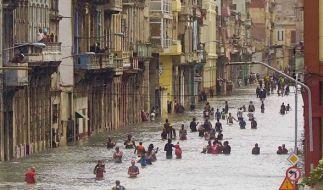 """Nach Hurrikan """"Irma"""" sind die Straßen Havannas (Kuba) überflutet. (Foto)"""