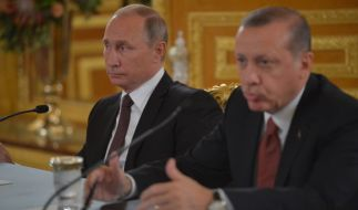 Erdogan kauft russische S400-Raketen von Putin. (Foto)