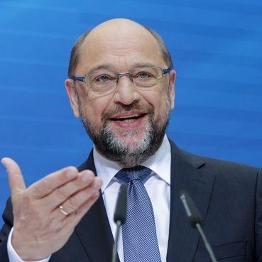 Bitte lächeln! AfD geht mit SPD-Schulz auf Stimmenfang (Foto)