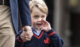 Prinz George ist seit September 2017 offiziell ein Schulkind und besucht die St. Thomas' Battersea-Schule in London. (Foto)