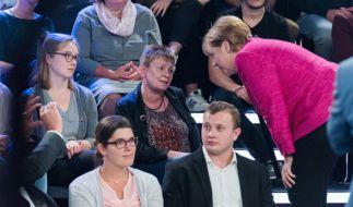Petra Vogel (M.) lässt ihrem Ärger freien Lauf. (Foto)