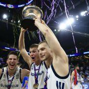 Slowenien kämpft sich zu erster Goldmedaille bei Basketball-EM (Foto)