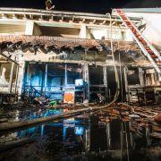 Tote und Verletzte bei Brand in Mehrfamilienhaus (Foto)