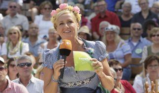 """Andrea Kiewel feiert mit ihren Gästen im """"ZDF Fernsehgarten"""" eine zünftige Oktoberfest-Party. (Foto)"""