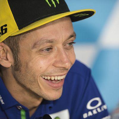 Rossi rast beim Comeback auf Platz fünf (Foto)